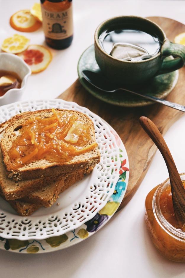 toast with tea and marmalade
