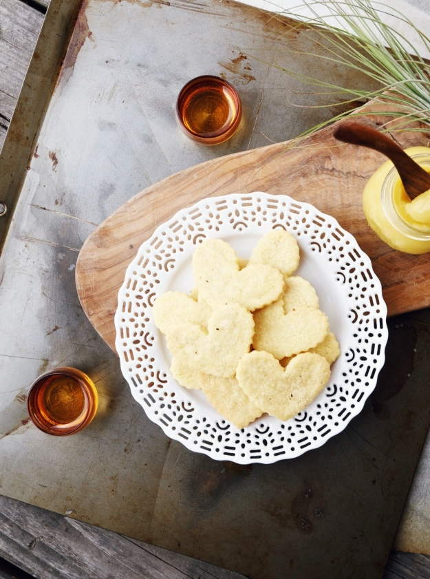 lemon curd + shortbread cookies | holly & flora