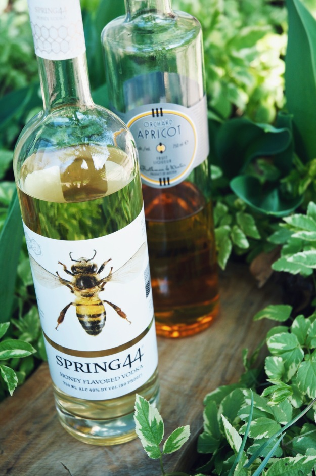 the apricot stinger cocktail | holly & flora