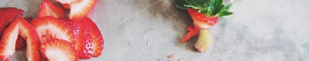 rhubarb strawberry shrub mojito