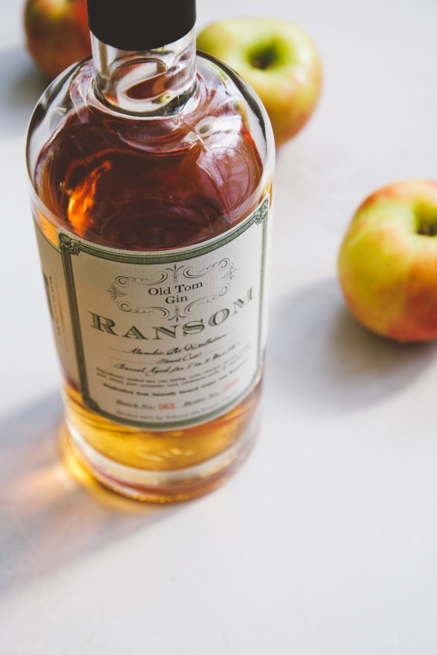 apple + old tom gin cocktails | holly & flora