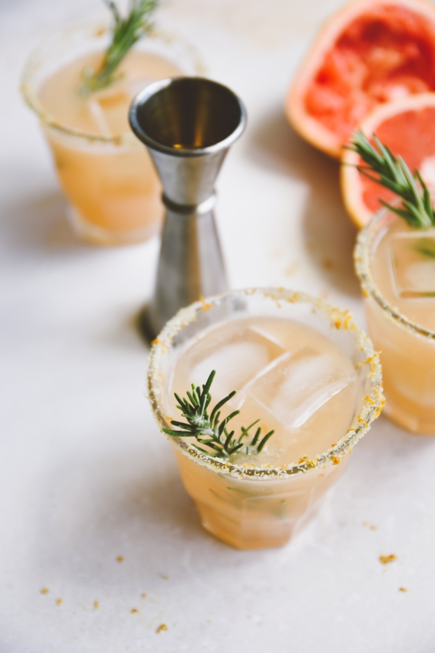 rosemary palomas with grapefruit salt rims | holly & flora