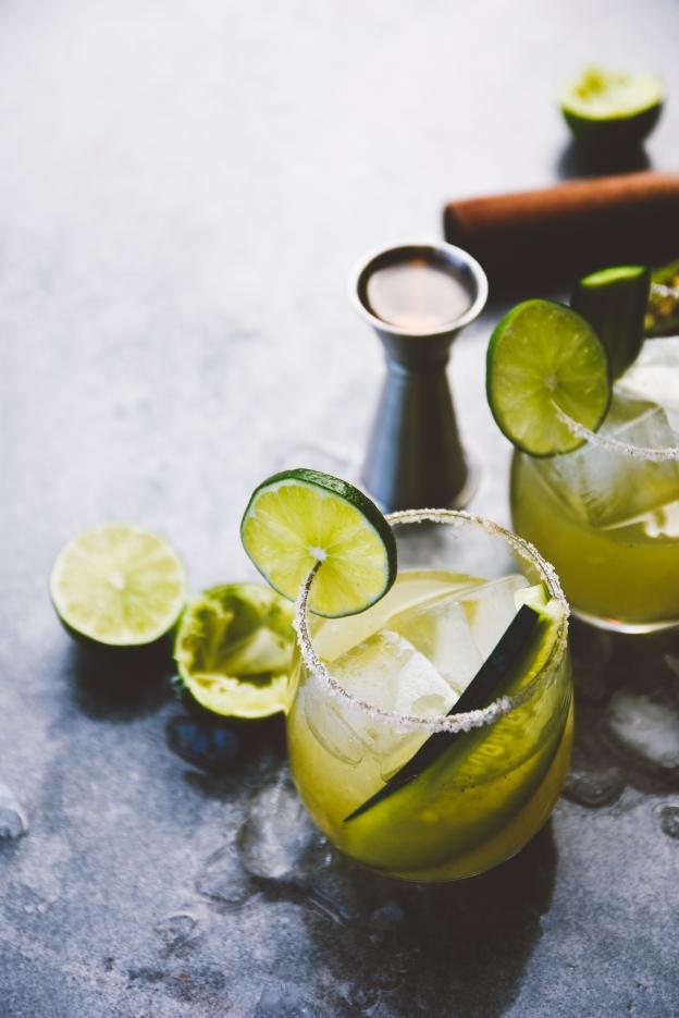 "mint cucumber + smoky jalapeño margaritas | celebrating kristy gardner's new book, ""cooking with cocktails"" | holly & flora"